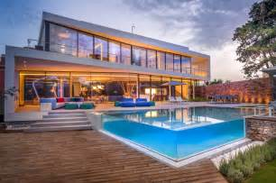 Harmonious House With Swimming Pool Design by See Through Swimming Pools Reveal A World Of Surprises