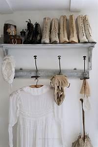 Chambre Shabby Chic : robe de bapteme botte mariage 1900 gant dentelle ambiance shabby chic chambre romantique le ~ Preciouscoupons.com Idées de Décoration
