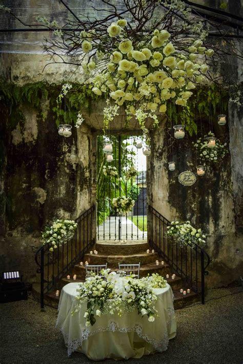 mesa novios montaje  flores blancas bodas en