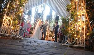 Viva las vegas weddings blog las vegas wedding chapels for Outdoor vegas weddings