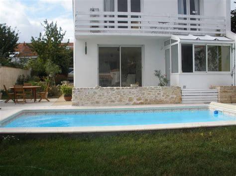 maison calme centre ville de la rochelle avec piscine chauff 233 e charente maritime homelidays