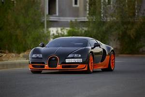 Bugatti Veyron Super Sport : top tens 10 best looking cars of the modern era cars247 cars247 ~ Medecine-chirurgie-esthetiques.com Avis de Voitures