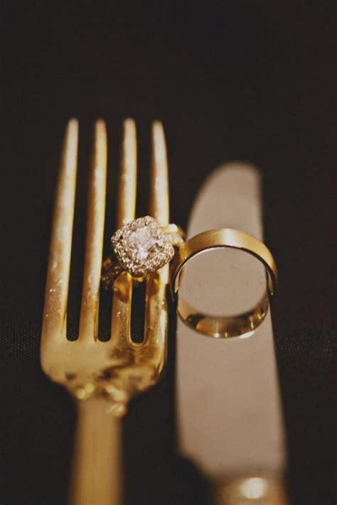 unique  creative wedding ring photo idea