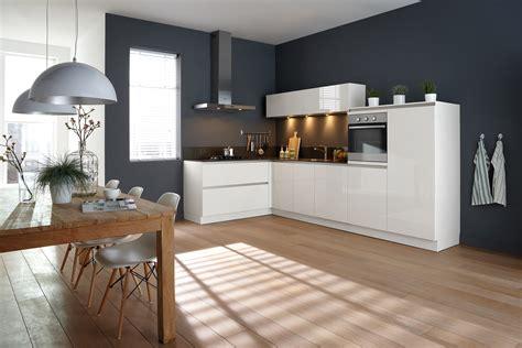 kleur keuken keuken grayson een moderne greeploze keuken met witte kleur