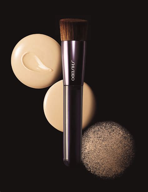 Shiseido Makeup Perfect Foundation Brush Fruity Lashes