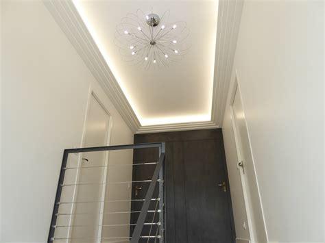 eclairage plafond bureau eclairage indirect optez pour une atmosphère chaleureuse