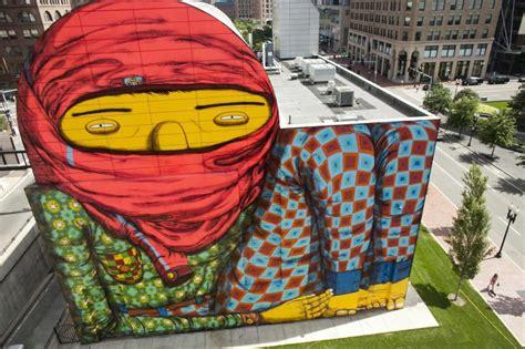 si鑒e mural mural colorido de os gêmeos provoca controvérsia em boston haus