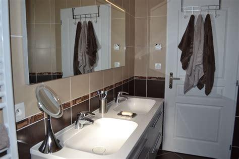 salle de bain marron et beige photo 4 7 3513781