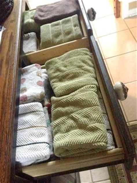 declutter kitchen towels dish cloths  minute mission