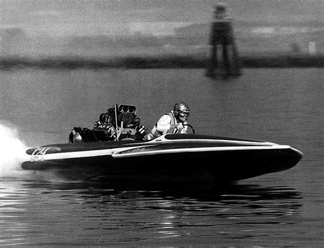 Oakland Estuary Drag Boat Racing mac bale driving the sanger top fuel hydro climax