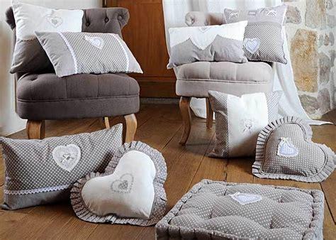 faire des galettes de chaises galette de chaise grise verone coeur coussin de chaise