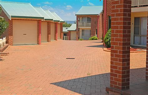 roseville apartments with garages motel facilities at roseville apartments tamworth