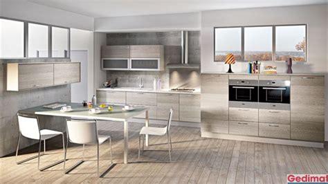 cuisine gedimat cuisine bois gris clair couleur dans cuisine ouverte