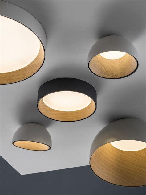 la calidez de la madera protagonista en la nueva luminaria