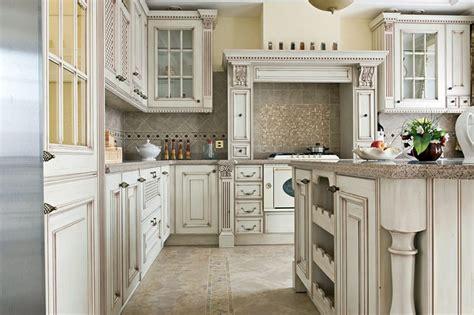 antique white kitchen cabinets design
