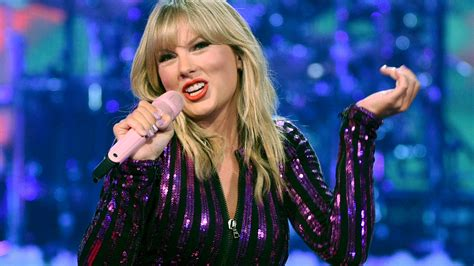 Taylor Swift surprises fans with another album due tonight ...