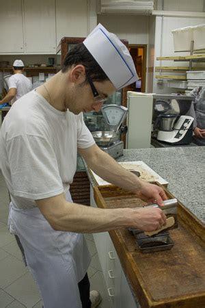 fabbrica di ladari la fabbrica di cioccolato di modica ladri di