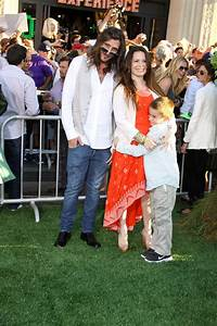 Holly Marie Combs Pictures, Images, Photos - actors44.com