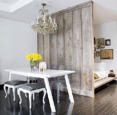 separation chambre séparation de pièce entre chambre et salon avec bois gris