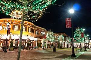 Hang Christmas Lights Up Or Down 6 Reasons To Hire Someone For Your Commercial Christmas Decor