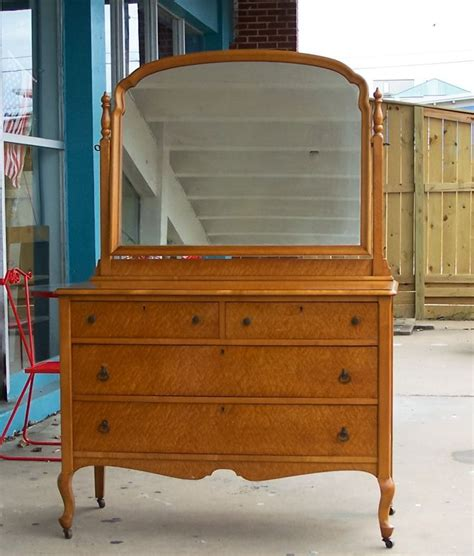 antique birdseye maple dresser with mirror 10 best images about birdseye maple collection on