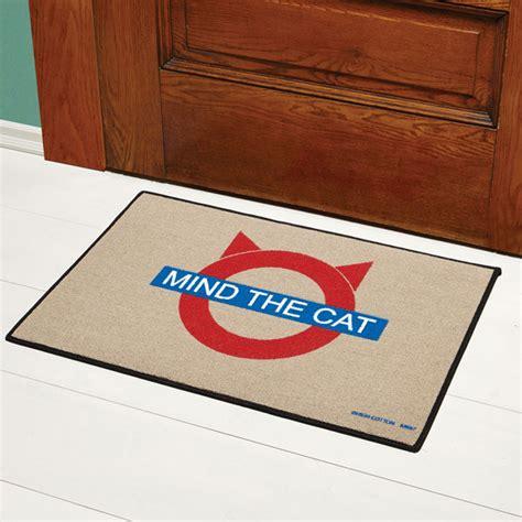 mind the gap doormat mind the cat doormat 5 reviews 5 acorn xb2512