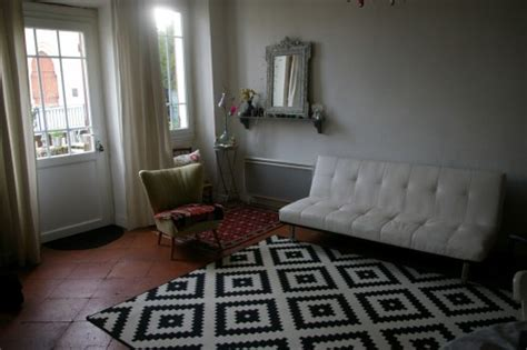 quel tapis avec canapé gris salon un de vivre