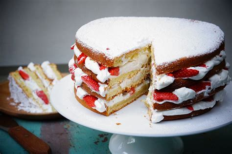 g 226 teau au yaourt facile fa 231 on layer cake aux fraises