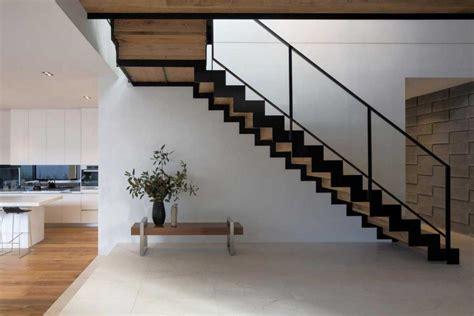 model tangga besi  rumah tingkat  perkiraan biaya