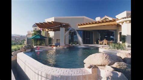 kolam renang rumah gaya modern desain interior