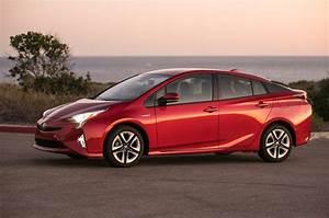Toyota Prius Versions : 2016 toyota prius first drive review motor trend ~ Medecine-chirurgie-esthetiques.com Avis de Voitures
