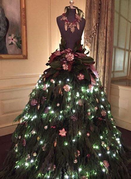 christmas tree decorating idea lush foliage  mannequin