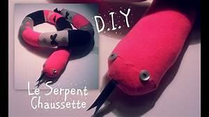 D I Y Cr U00e9ation Le Serpent Avec Des Chaussettes