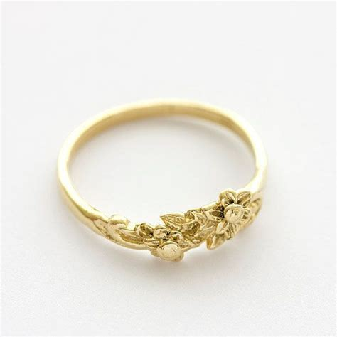 vintage floral bouquet wedding band ring in 14k yellow gold 239 00 via etsy lovely and