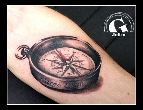 tatouage boussole  rose des vents graphicaderme