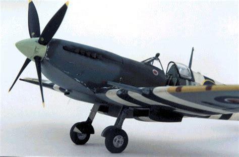 spitfire ix  robert swaddling icm