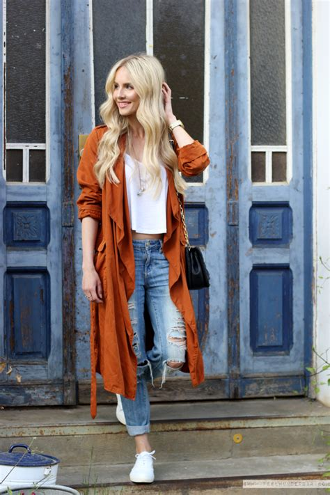 outfit burnt orange loose fit trenchcoat