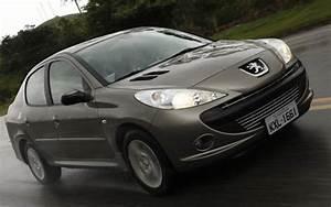 Peugeot 207 Sedan 2013
