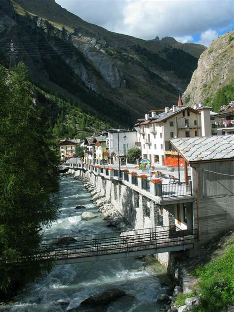 aosta valley la thuile italy italia valle daosta