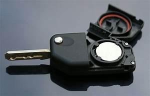 Batterie Für 1er Bmw : batterie wechseln am bmw schl ssel motorrad bikeaway ~ Jslefanu.com Haus und Dekorationen