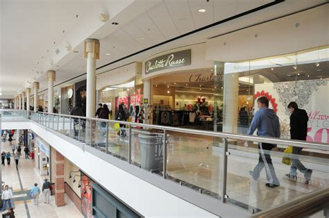 complete list of stores located at montgomery mall 174 a