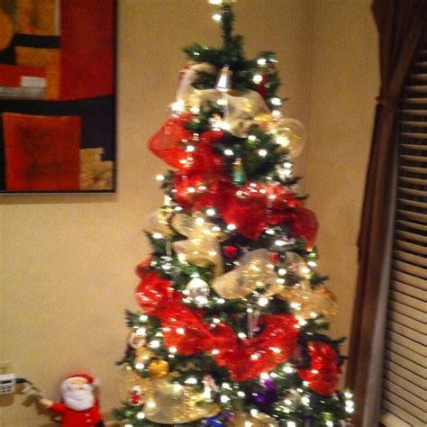 how to wrap a christmas tree with mesh ribbon princess decor