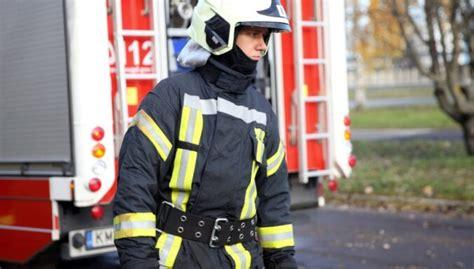 No ugunsgrēka Alūksnē kaimiņš izglābj trīs cilvēkus - DELFI