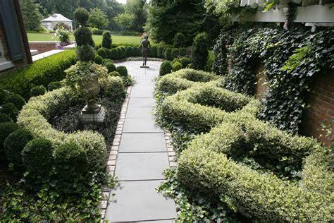 25+ Formal Garden Designs  Garden Designs  Design Trends