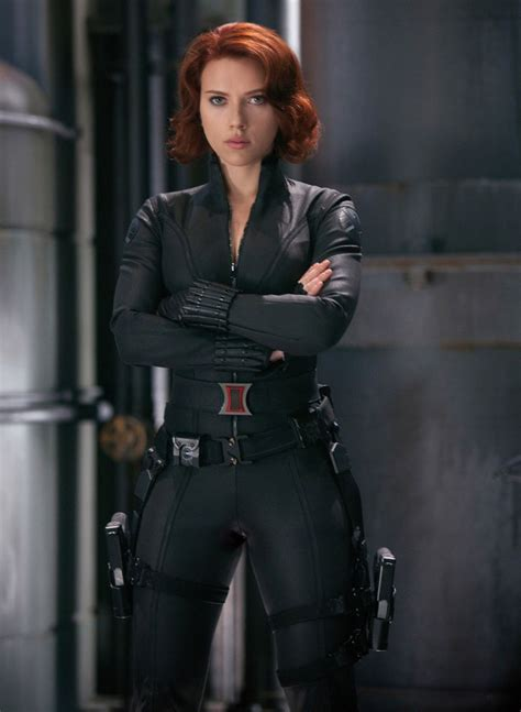scarlett johansson pregnancy  derail filming  avengers age  ultron sequel report
