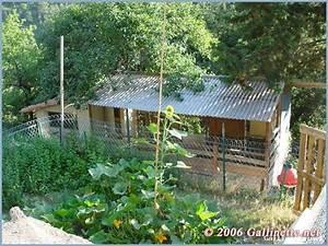 Construire un poulailler gallinette guide d39elevage de for Amenager jardin en pente 8 comment fabriquer un poulailler en bois pour le jardin
