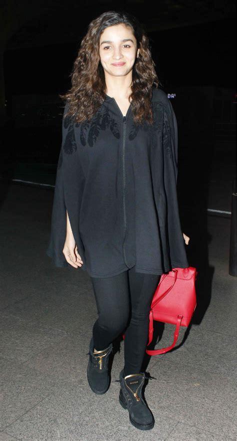 celeb airport style  week kareena kapoor khan