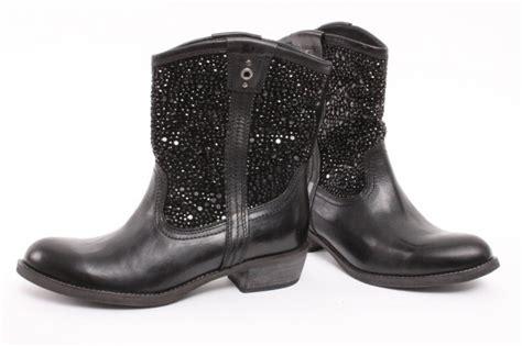 25+ Beste Ideeën Over Korte Zwarte Laarzen Op Pinterest