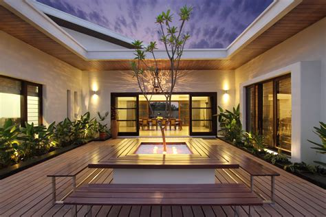 style house plans with interior courtyard this courtyard house has a semi classical approach in