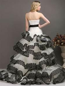 Robe De Mariée Noire : robe de mariee noir et blanc bustier asymetrique et ~ Dallasstarsshop.com Idées de Décoration